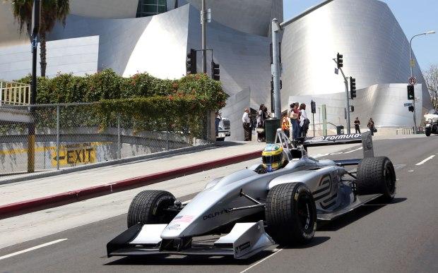Formula_E_racing_Volt