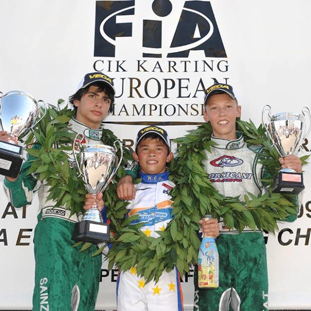 De Vries era 'un demonio' en karts, incluso ganaba a pilotos mayores y de jerarquiía. Aquí con Sainz Jr y Kvyat.