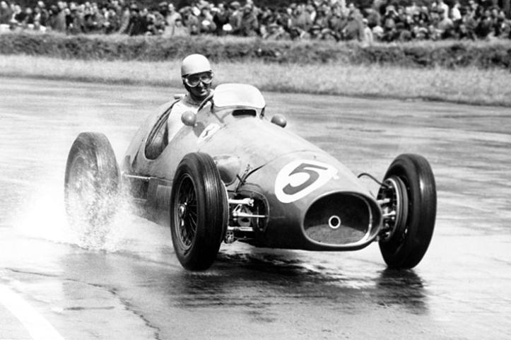"Alberto Ascari a bordo de la Ferrari número ""5"""