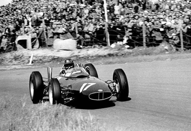 "Graham Hill, primer triunfador con el ""17"""