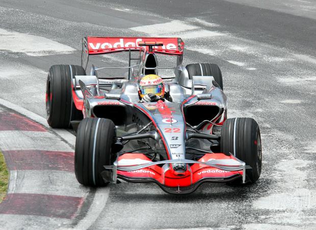 """Lewis Hamilton, campeón con el """"22"""""""