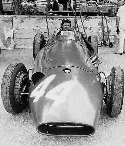 """La primera mujer en la F1, utilizó el """"44"""""""