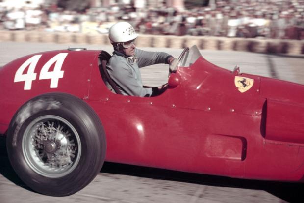 """Maurice Trintignant, único piloto triunfador con el """"44"""""""