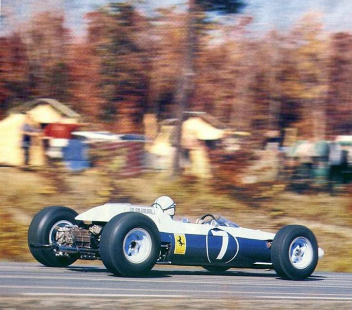 """El único campéon con el """"7"""", John Surtees"""