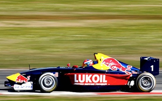Kvyat-F-BMW-first_test