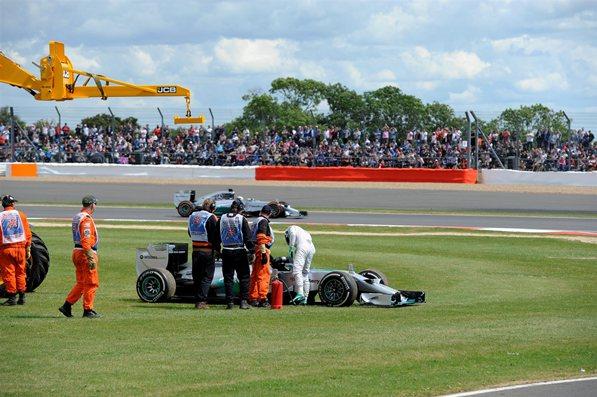 Primer abandono para Rosberg en lo que va del año