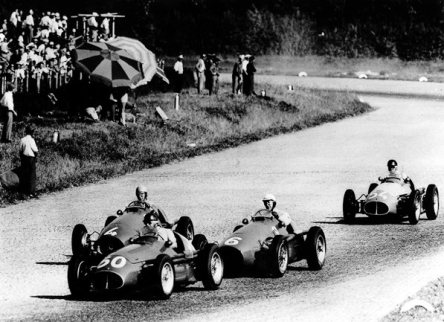 Fangio delante de Ascari y Farina