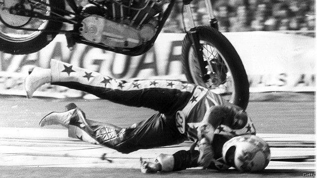 El motociclismo, en sus distintas categorías, está clasificado como deporte de alto riesgo.
