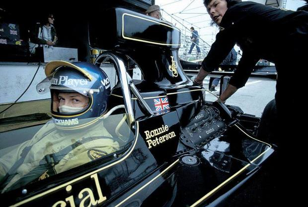 Ronnie Peterson (SWE) (John Player Team Lotus), Lotus 76 - Ford Cosworth V8 Jarama 1974
