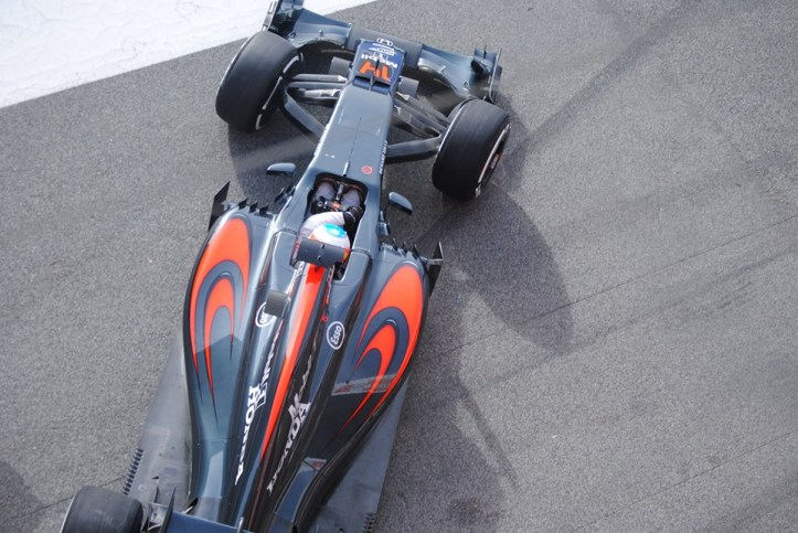 2016 test Alonso McLaren MP4 31